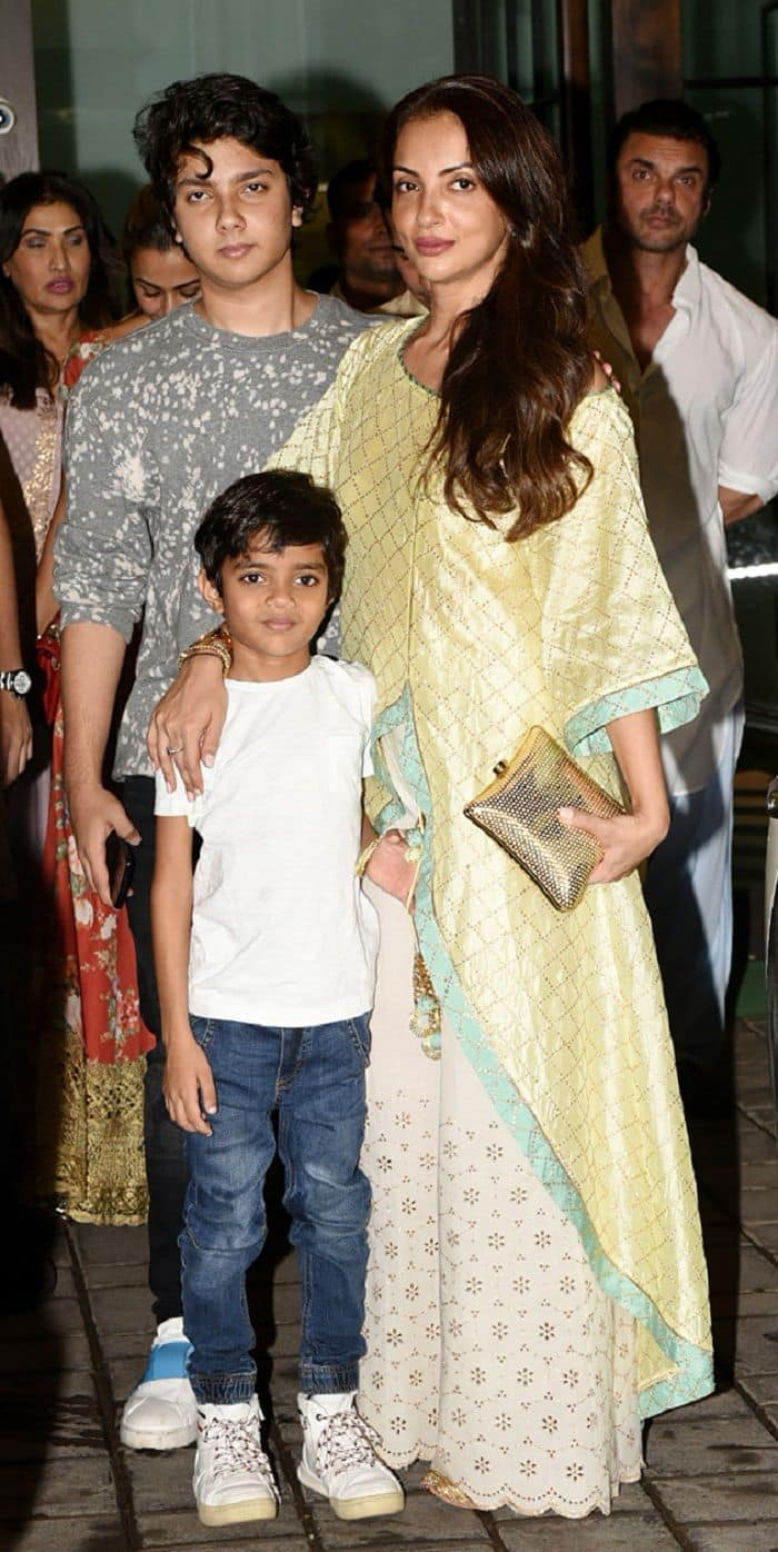 Seema Sachdev Khan with children