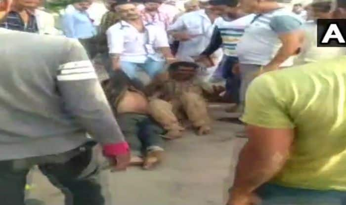 Gujarat: Two Men Thrashed on Suspicion of Being Child-lifters; Police Say Rumours Being Spread on Social Media