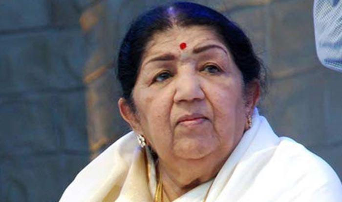 Lata Mangeshkar Refutes Rumours of Being Hospitalized, Here's What She Said