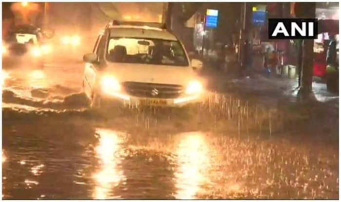 Mumbai Rains: Navi Mumbai Resident Fined by Traffic Police For Offering Lift to Strangers Stranded on Road