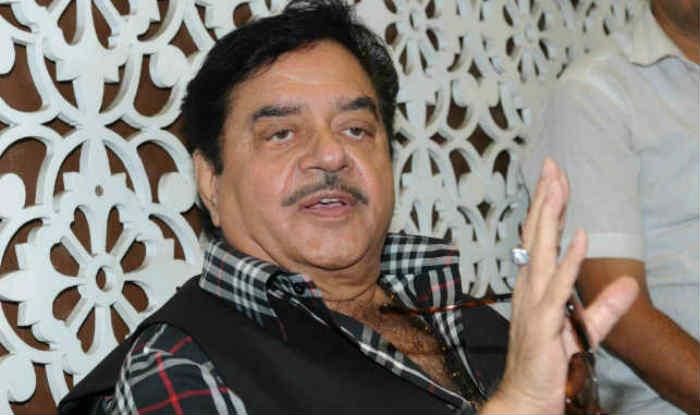'Hugplomacy' Row: Shatrughan Sinha Backs Sidhu, Says Atal Bihari Vajpayee Too Had Hugged Nawaz Sharif