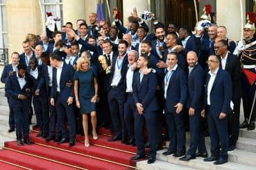 In pictures_ France gives World Cup champions heroes' welcome