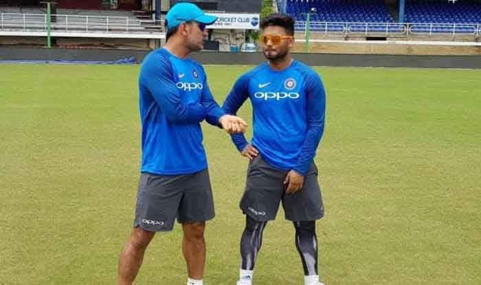 1st Test in Adelaide: Rishabh Pant Equals MS Dhoni's Record of Most Catches by An Indian Wicketkeeper in a Test Innings