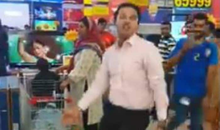 Pakistan Man Takes The Internet by Storm as He Dances to
