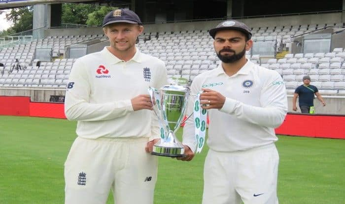 Virat Kohli and Joe Root pose with the trophy before Test series_BCCI
