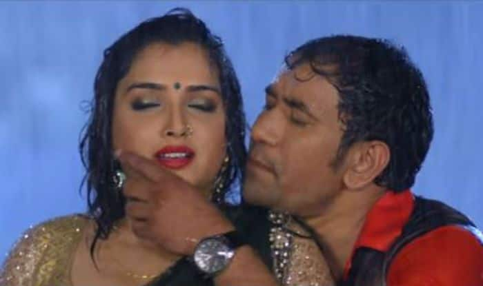 Bhojpuri Hot Rumoured Couple Dinesh Lal Yadav Aka Nirahua And Amrapali Dubey Dance on the streets of Kuala Lumpur, Watch