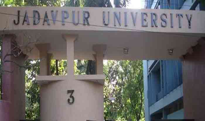 Jadavpur Row: Police Stop ABVP March to Varsity, Protesters Pelt Stones at Cops