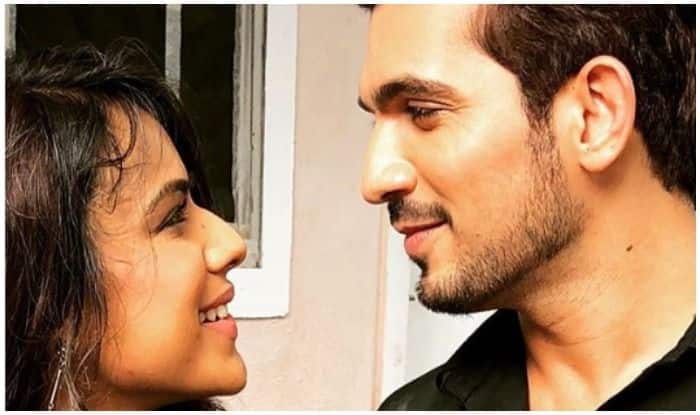 Ishq Mein Marjawan: Arjun Bijlani Welcomes Nia Sharma on The Sets, Shares Pic