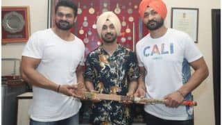 Soorma Actor Diljit Dosanjh Visits Former Indian Hockey Captain Sandeep Singh's Hometown, Receives Special Gift From Sandeep's Father