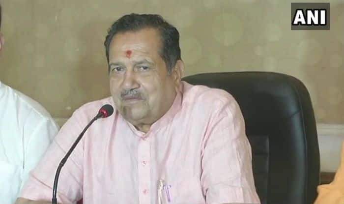 'Hemant Karkare Can be Given Tributes, Not Respect,' Says RSS Functionary Indresh Kumar as he Backs Pragya Thakur