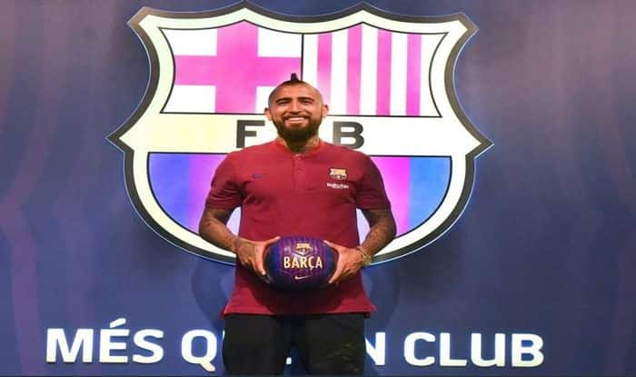 lowest price f7322 c06a3 Chilean Midfielder Arturo Vidal Signs For FC Barcelona For ...