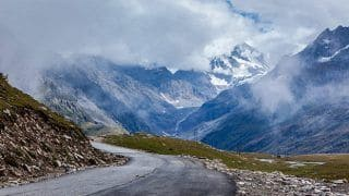 Manali to Rohtang Pass: How to reach Rohtang Pass from Manali by road
