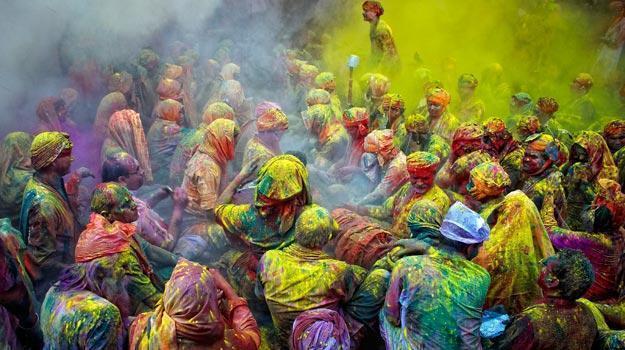 Bengal calling: Ways to celebrate Holi Bengal style