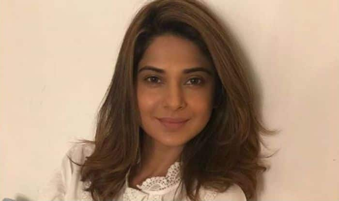 Bepannaah Actress Jennifer Winget's no Make-up Look Will Sweep You Off Your Feet- View Picture