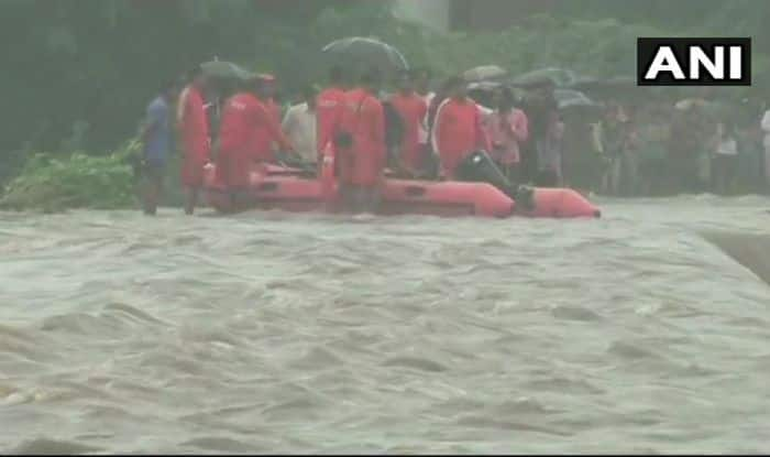 Gujarat: 12 Rescued by NDRF Team From Middle of Godhra River