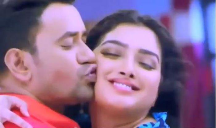 Bhojpuri Hot Rumoured Couple Amrapali Dubey And Nirahua's Hot Lip-Lock Song Katore Katore is Taking Internet by Storm; Clocks Over 9 Million Views on YouTube