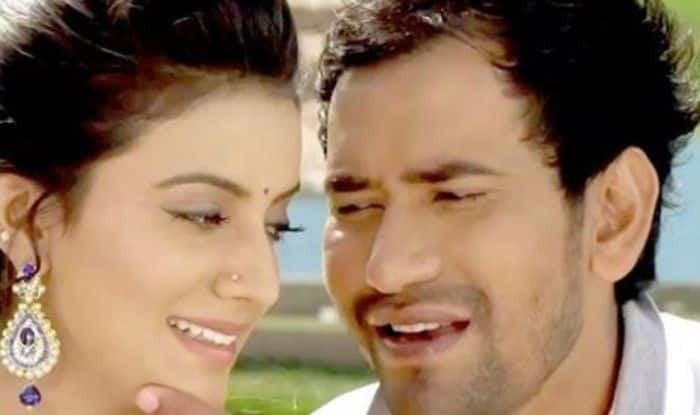 Bhojpuri Actors Dinesh Lal Yadav Aka Nirahua And Akshara Singh's Hot