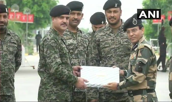 BSF Exchanges Sweets, Pleasantries With Pakistan Rangers on Eid al-adha