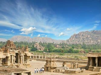 Road Trip: Here's The Easiest Way to Reach Hampi From Bengaluru