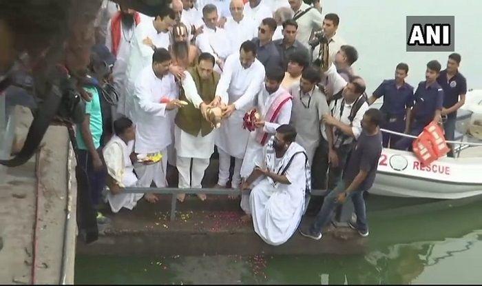 Late Atal Bihari Vajpayee's Ashes Immersed in Sabarmati River in Ahmedabad