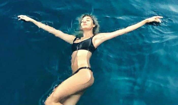 Lisa Haydon Perfectly Dives in Wild And Bold Avatar, Looks Hot in Slo Mo Video