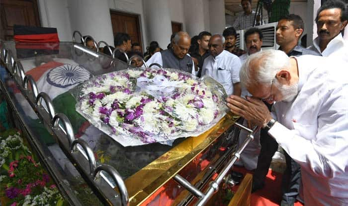 PM Modi Pays Homage to Karunanidhi at Chennai's Rajaji Hall, Meets Late DMK Chief's Family