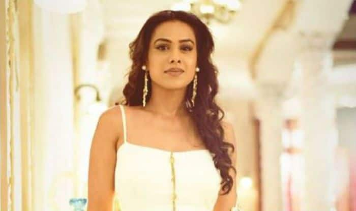 Second Sexiest Asian Woman Nia Sharma in White Ethnic Will Make You Go Wow, Check Here