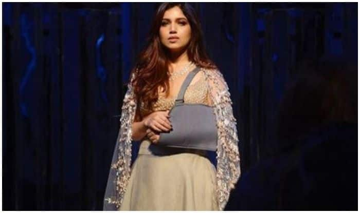 Bhumi Pednekar Looks Ethereal in Manish Malhotra's Ensemble as She Poses With Plastered Arm, See Picture