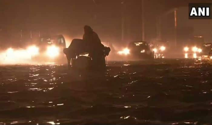 Heavy Rains Lash Delhi-NCR; Traffic Snarls at Various Places