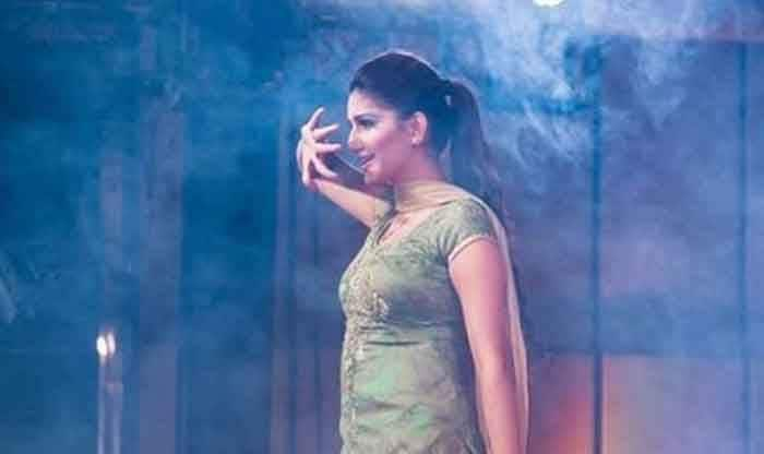 Haryanvi Hottest Dancer Sapna Choudhary Grooves to Mika Singh's Popular Track Milegi Milegi During Live Stage Performance Featuring Her Sexy Thumkas; Watch
