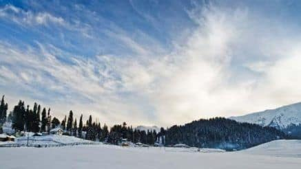 Want to Know Why Jammu And Kashmir is Considered Paradise on Earth? Check Out These 5 Photos