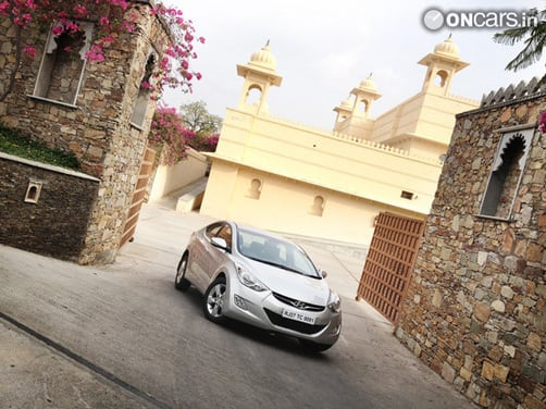 Hyundai Elantra Fluidic gathered 750 bookings even before its launch