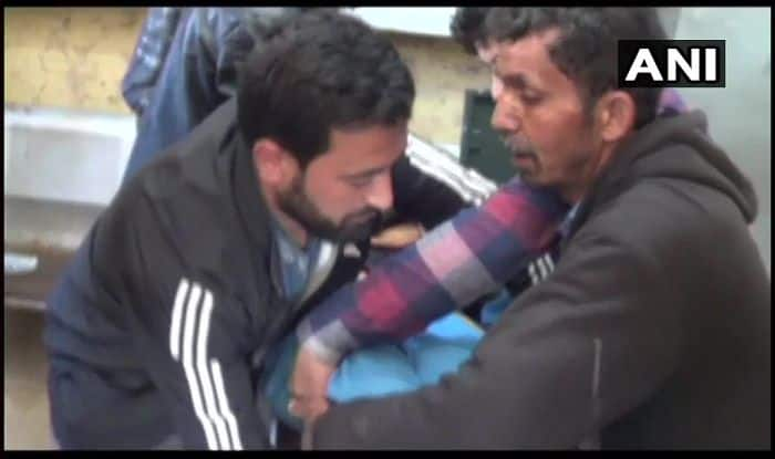 Jammu And Kashmir: Terrorists Attack Police Station in Shopian District; One Policeman Dead