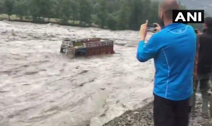Himachal Pradesh: Truck Washes Away as Beas River Floods Districts, Normal Life Paralysed, Schools to be Closed Tomorrow