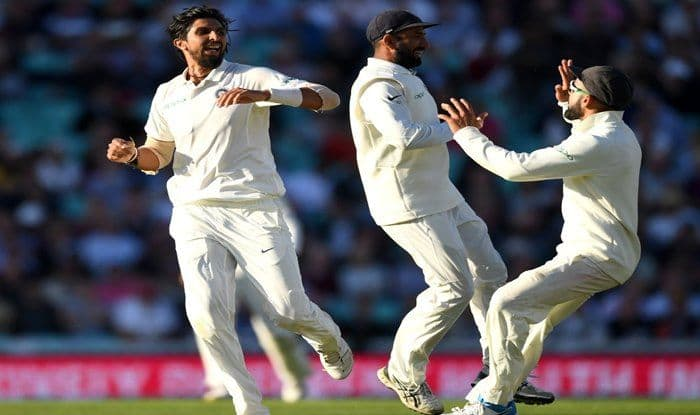 Ishant Sharma celebrates a wicket with his teammates on day one of the fifth Test vs England_ICC Twitter