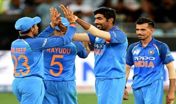 Jasprit Bumrah celebrate the fall of Pakistan wicket with his teammates during Asia Cup 2018_ICC Twitter