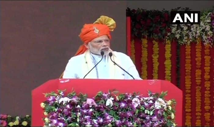 PM Modi addressing a gathering in Anand