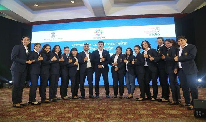 Rajyavardhan Singh Rathore with Asian Games medal winners_Rathore Twitter