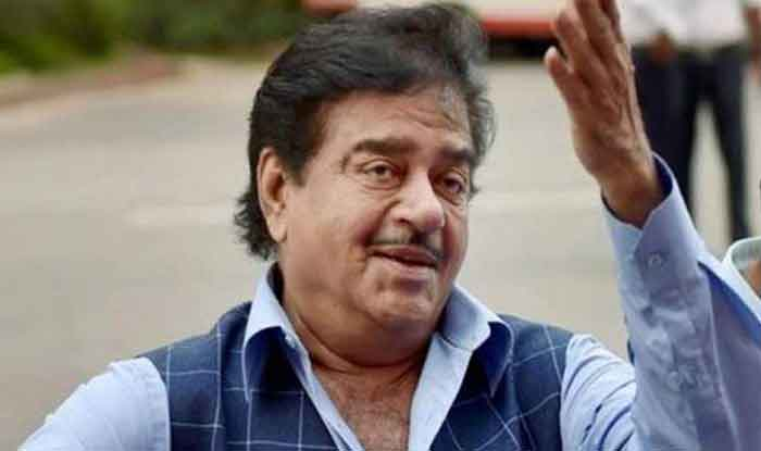 Shatrughan Sinha Praises Rahul Gandhi's Minimum Income Guarantee Scheme, Calls it 'Masterstroke' by 'Master of Situation'
