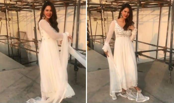 Punjabi Sizzler And Carry on Jatta Fame Sonam Bajwa Looks Mesmerising as She Swirls Like A Bird In This Slow-mo Video – Watch