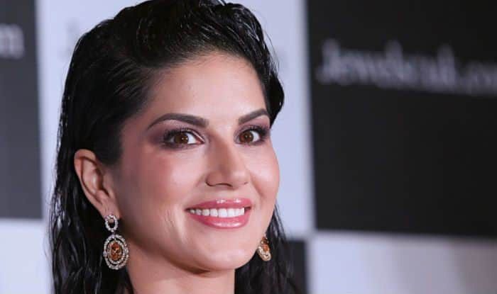 Sunny Leone Makes a Shocking Revelation About Her Male Fans, Says Their Hands Shake While Taking Pics