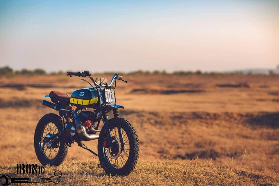 This customised Yamaha RX-100 Baby Blue is capable of making your