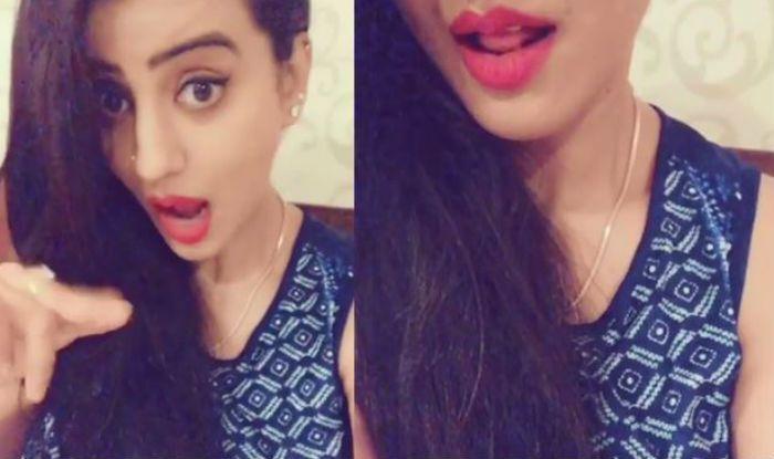 Bhojpuri Hottie Akshara Singh Seduces Fans While Singing in New Video, Watch Now