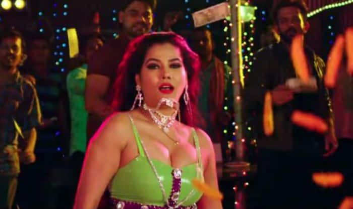 Bhojpuri Item Queen Seema Singh's Hot Dance in Aai Mai Haradi From Pawan Singh Starrer Loha Pahalwan is Going Viral, Watch Video