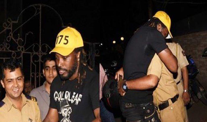 Chris Gayle SPOTTED Giving 'Jadu ki Jhappi' to Mumbai Police Officials — PICS