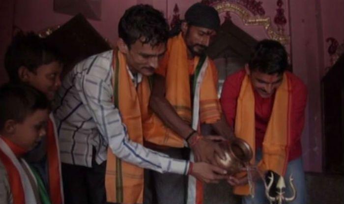 Muslim Family of 13 Embraces Hinduism in Uttar Pradesh's Baghpat