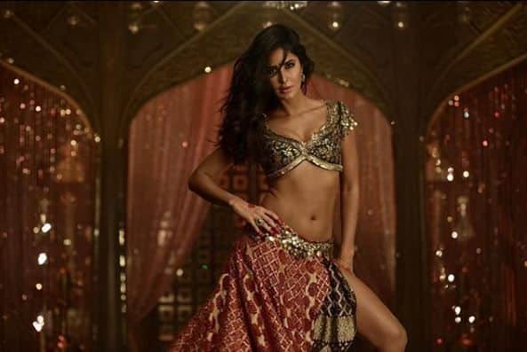 Suraiyya Song Teaser: Thugs of Hindostan's Second Song Featuring Katrina Kaif's Sexy Belly Dancing Goes Viral; Fans Demand Full Song