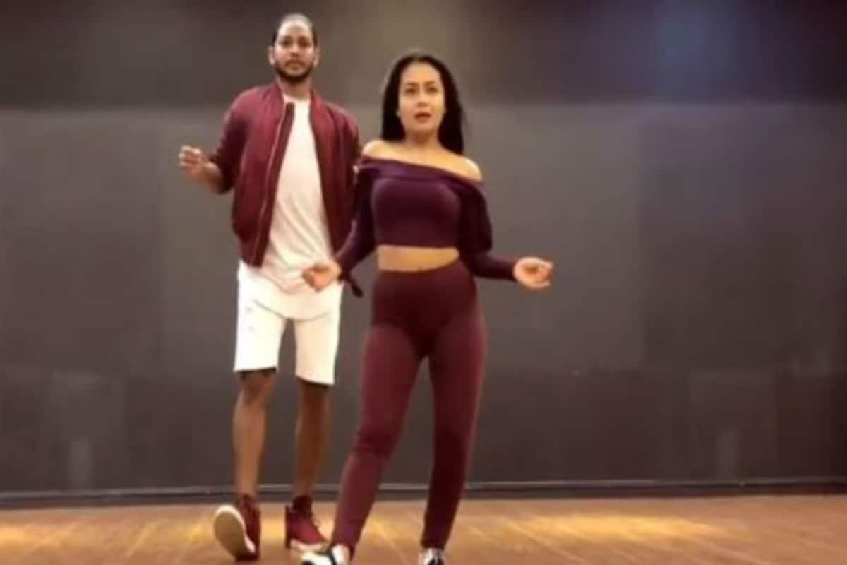 Neha Kakkar Showcases Her Dancing Skills For The First Time On Tony Kakkar S Ludo Song Watch Video India Com