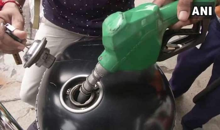 Fuel Prices Continue to Touch New Heights; Petrol Costs Rs 82.83 Per Litre in Delhi, Rs 88.29 in Mumbai