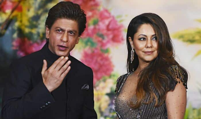 Shah Rukh Khan Asks Gauri to Design His Office And The Wife's Reply is Savage AF. All This on Their Wedding Anniversary!